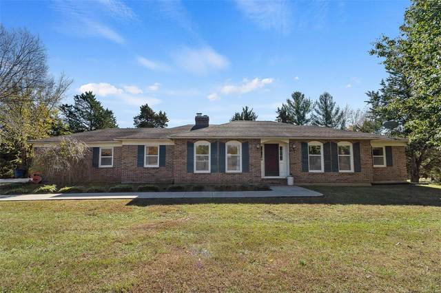 4210 Twin Oaks Drive, Fulton, MO 65251 (#20078224) :: The Becky O'Neill Power Home Selling Team