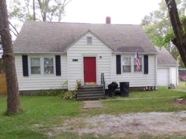 2143 N Cedar Avenue, Salem, IL 62881 (#20078569) :: Parson Realty Group