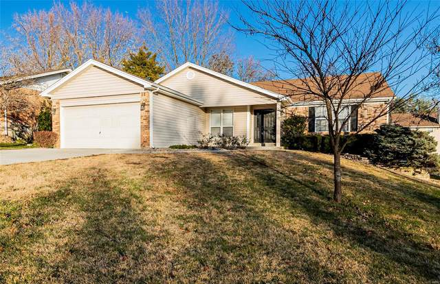 2924 Hameln Drive, Saint Charles, MO 63301 (#20081369) :: Tarrant & Harman Real Estate and Auction Co.