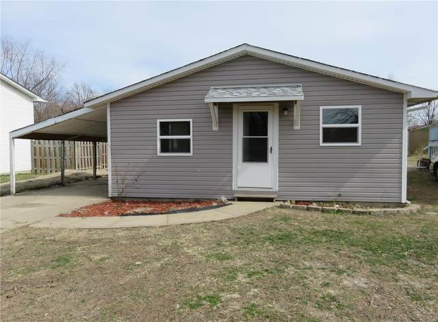 436 Southard Place, South Roxana, IL 62087 (#20082031) :: Tarrant & Harman Real Estate and Auction Co.