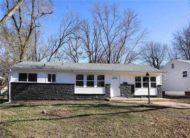 40 Lynn Meadows, Florissant, MO 63033 (#20083937) :: Parson Realty Group