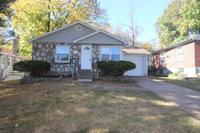 2017 Stillwater Drive, Hanley Hills, MO 63114 (#20084426) :: Parson Realty Group