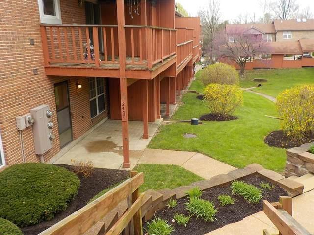 2400 Silkwood Drive, St Louis, MO 63114 (#20084915) :: Matt Smith Real Estate Group