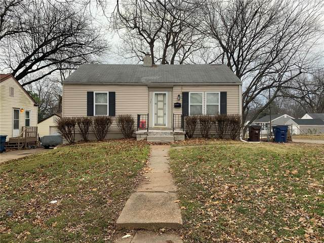 423 Superior Drive, St Louis, MO 63135 (#20090103) :: Parson Realty Group