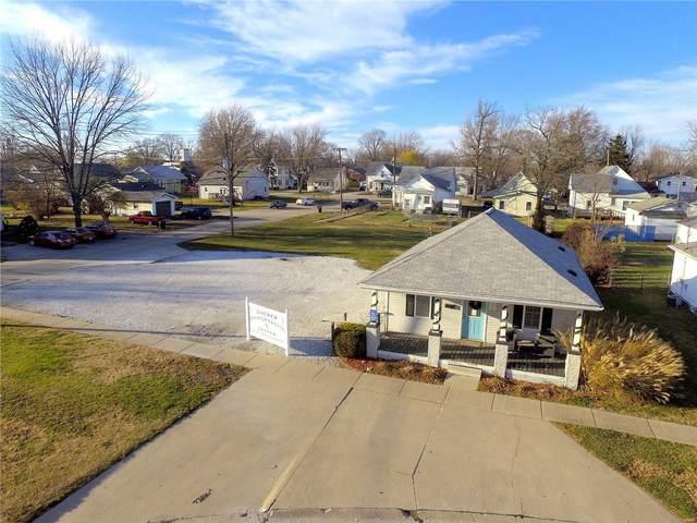 321 E Carpenter, Jerseyville, IL 62052 (#21000176) :: Hartmann Realtors Inc.
