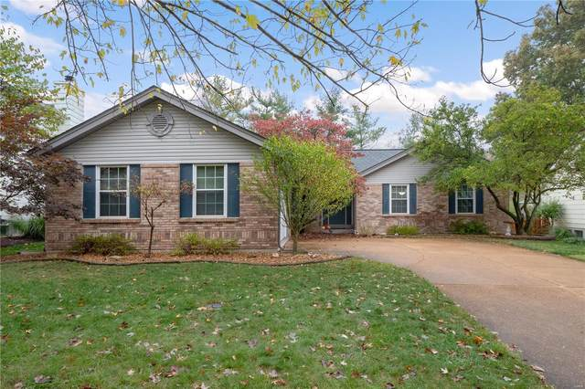 2363 Westclub Terrace Court, Wildwood, MO 63011 (#21000279) :: Parson Realty Group