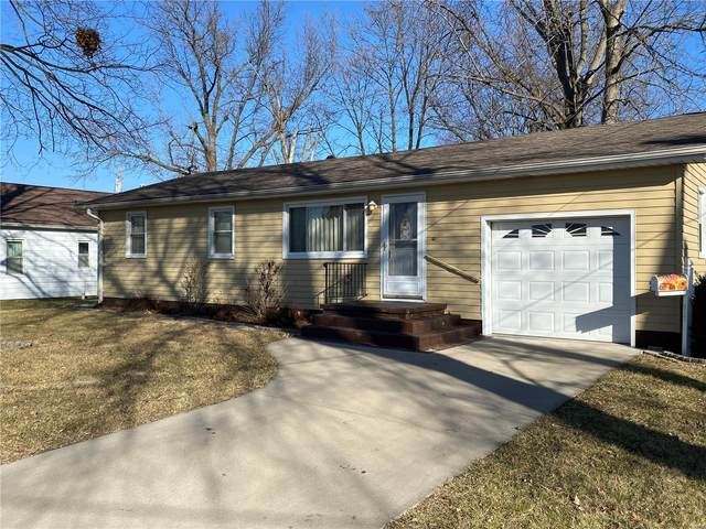 517 Clay Street, Jerseyville, IL 62052 (#21001625) :: Tarrant & Harman Real Estate and Auction Co.