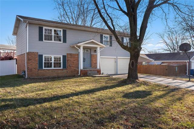 2 Sweetwater Court, Saint Charles, MO 63303 (#21002496) :: Parson Realty Group