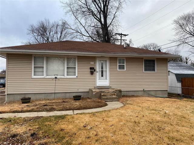 935 Lindsay Lane, Florissant, MO 63031 (#21003256) :: The Becky O'Neill Power Home Selling Team