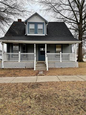 701 N Giddings Avenue, Jerseyville, IL 62052 (#21003351) :: The Becky O'Neill Power Home Selling Team
