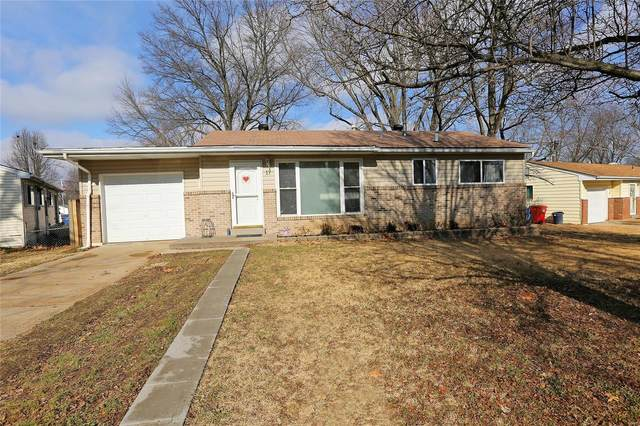 17 Montclair Court, Florissant, MO 63033 (#21003359) :: Clarity Street Realty