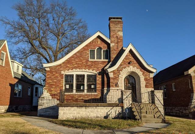 8722 Partridge Avenue, St Louis, MO 63147 (#21003406) :: Kelly Hager Group | TdD Premier Real Estate