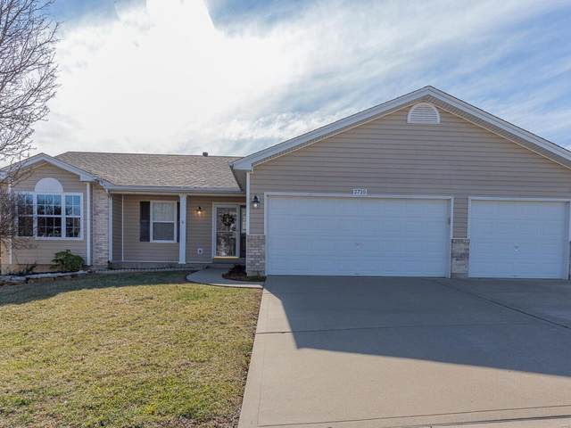 2735 Providence Ridge, Wentzville, MO 63385 (#21003553) :: Parson Realty Group