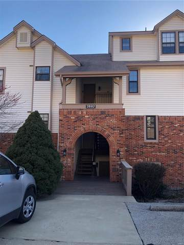 2802 Par Valley Court A, Oakville, MO 63129 (#21004306) :: Kelly Hager Group | TdD Premier Real Estate