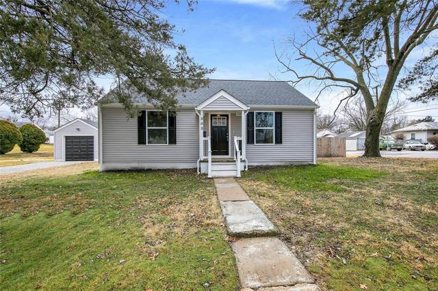 902 Veterans Street, RED BUD, IL 62278 (#21006265) :: Clarity Street Realty