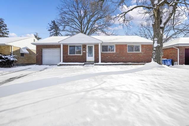 1956 Mashie Drive, St Louis, MO 63114 (#21006522) :: Matt Smith Real Estate Group