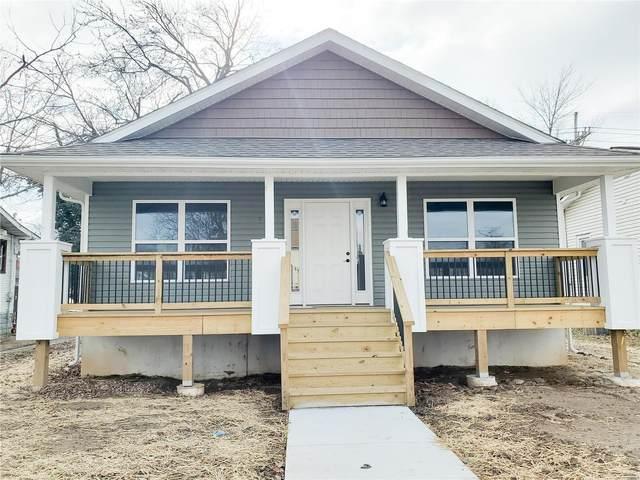 904 E Acton Avenue, Wood River, IL 62095 (#21007392) :: Tarrant & Harman Real Estate and Auction Co.