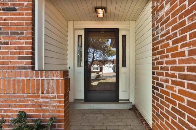 8636 Glenmont Court, St Louis, MO 63123 (#21007931) :: Matt Smith Real Estate Group