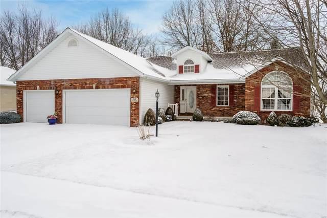 717 Stonecreek, STAUNTON, IL 62088 (#21008179) :: Tarrant & Harman Real Estate and Auction Co.