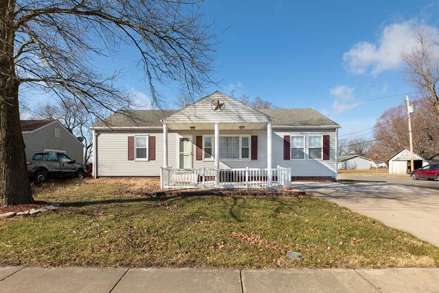 400 S Clinton, BUNKER HILL, IL 62014 (#21008235) :: Tarrant & Harman Real Estate and Auction Co.