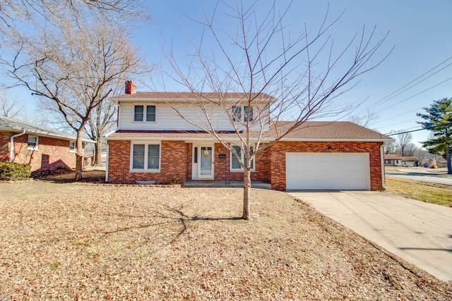 2916 Gilbert Lane, Alton, IL 62002 (#21009149) :: Tarrant & Harman Real Estate and Auction Co.