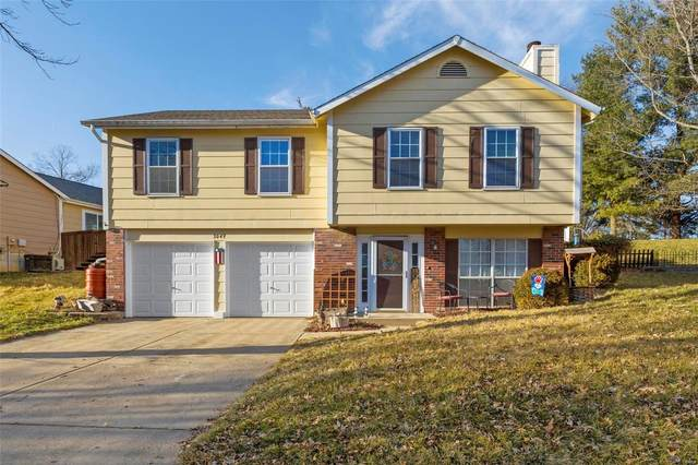 3049 Grassy Valley Dr, St Louis, MO 63129 (#21009997) :: Jeremy Schneider Real Estate