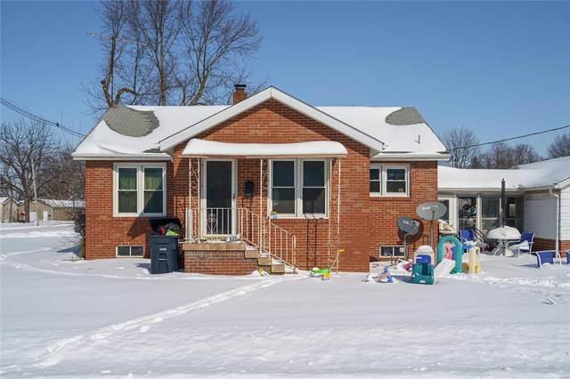 221 W Clark Street, LITCHFIELD, IL 62056 (#21011354) :: Fusion Realty, LLC