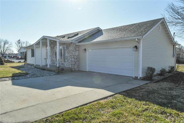 7 E Illinois Street, New Baden, IL 62265 (#21012101) :: Kelly Hager Group | TdD Premier Real Estate