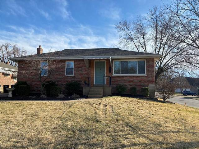 10050 N Marlene Drive, St Louis, MO 63123 (#21012128) :: The Becky O'Neill Power Home Selling Team