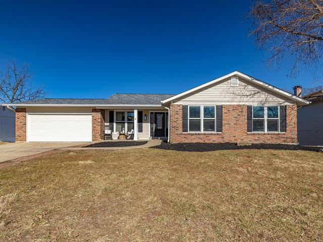 618 Country Lake, Saint Peters, MO 63376 (#21013045) :: The Becky O'Neill Power Home Selling Team