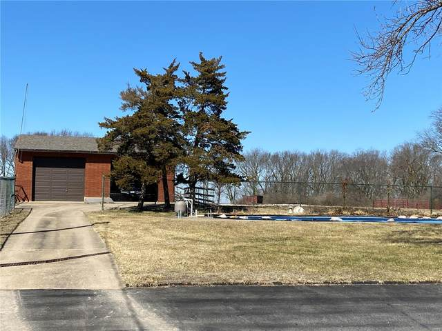 101 Brownsmill, Elsberry, MO 63343 (#21013052) :: The Becky O'Neill Power Home Selling Team