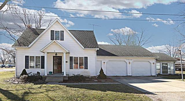 230 E Indiana Street, TRENTON, IL 62293 (#21013149) :: Walker Real Estate Team