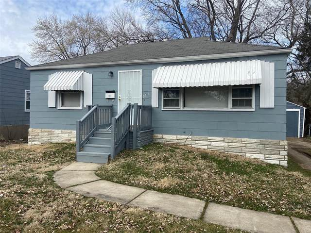 8215 Davenport Drive, St Louis, MO 63134 (#21013557) :: Clarity Street Realty