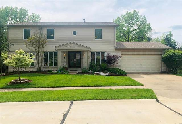 2335 Fairoyal, Des Peres, MO 63131 (#21013911) :: Parson Realty Group