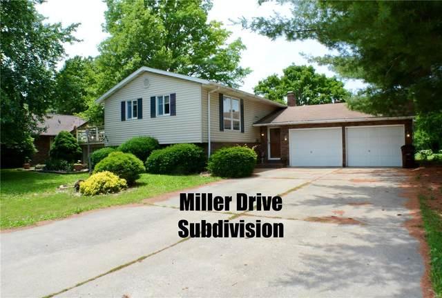 916 W Miller, STAUNTON, IL 62088 (#21018509) :: Tarrant & Harman Real Estate and Auction Co.