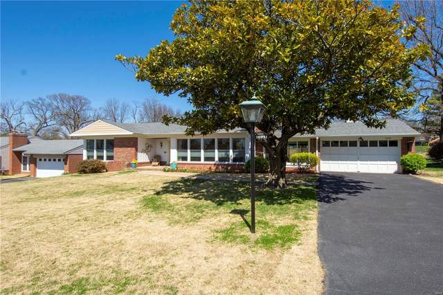 10021 Elise Drive, St Louis, MO 63123 (#21019850) :: Clarity Street Realty