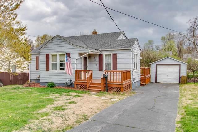 3611 Horn Avenue, Alton, IL 62002 (#21021648) :: Tarrant & Harman Real Estate and Auction Co.