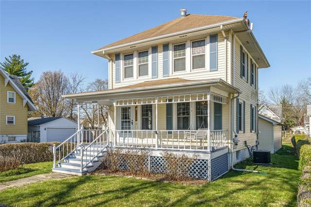 1002 Johnson Street, CARLINVILLE, IL 62626 (#21021923) :: Tarrant & Harman Real Estate and Auction Co.