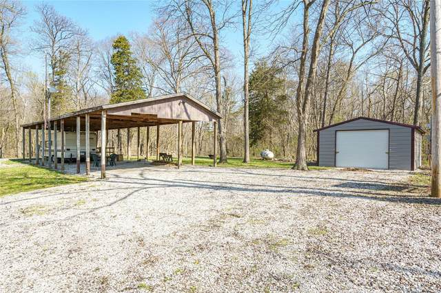 6051 Waresgrove Avenue, BUTLER, IL 62015 (#21022596) :: Tarrant & Harman Real Estate and Auction Co.