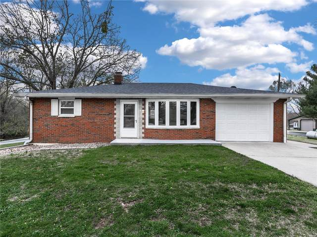 8443 Hilltop Drive, Troy, IL 62294 (#21022951) :: Terry Gannon | Re/Max Results