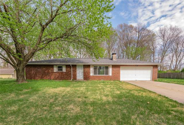 126 Roger, Collinsville, IL 62234 (#21023303) :: Tarrant & Harman Real Estate and Auction Co.