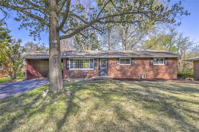 5025 Staten Drive, Godfrey, IL 62035 (#21023754) :: Tarrant & Harman Real Estate and Auction Co.