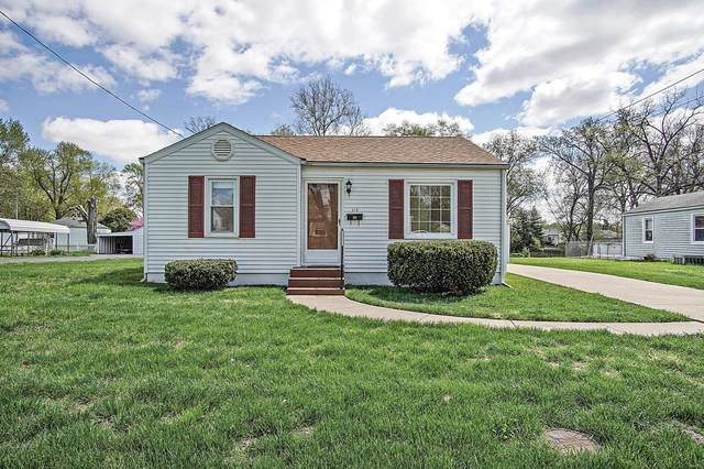 112 Rainbow Drive, Collinsville, IL 62234 (#21024660) :: Tarrant & Harman Real Estate and Auction Co.