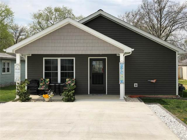 115 N Cherry Street, HOFFMAN, IL 62250 (#21025015) :: Tarrant & Harman Real Estate and Auction Co.