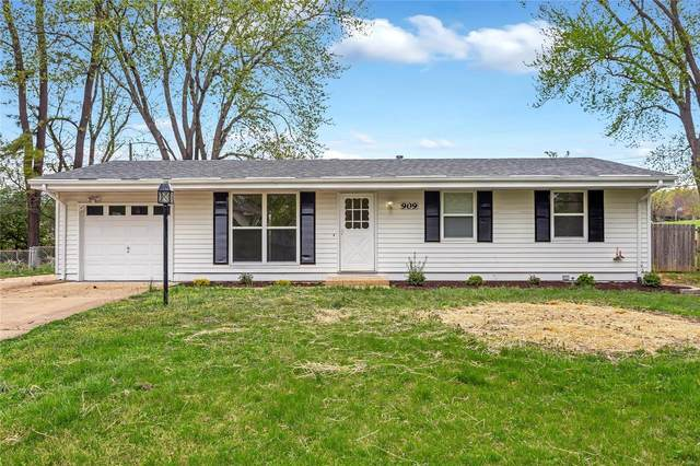909 Danton Court, Ballwin, MO 63011 (#21025339) :: Kelly Hager Group | TdD Premier Real Estate