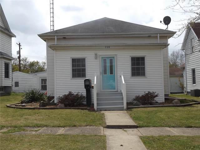 206 S Cedar Street, NOKOMIS, IL 62075 (#21026038) :: Parson Realty Group