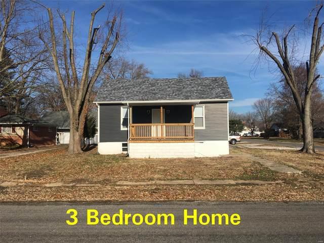 233 E Lafayette, STAUNTON, IL 62088 (#21026239) :: Tarrant & Harman Real Estate and Auction Co.