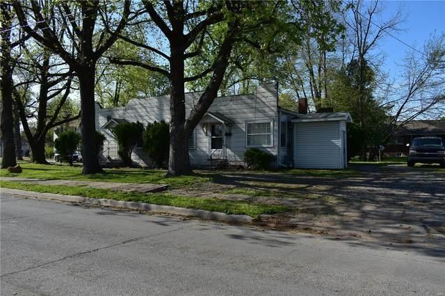 500 N Main Street, BENTON, IL 62812 (#21026425) :: Clarity Street Realty