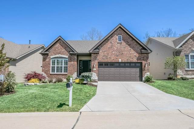 956 Ridgepointe Place Circle, Lake St Louis, MO 63367 (#21026428) :: Parson Realty Group