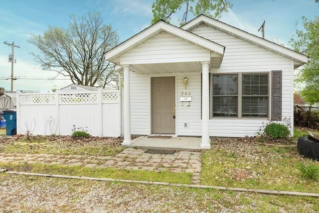 942 E Lorena Avenue, Wood River, IL 62095 (#21027366) :: Parson Realty Group